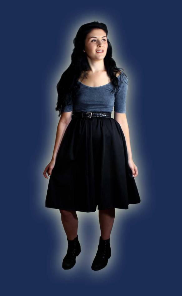 Amy wearing a Sewaholic Rae skirt
